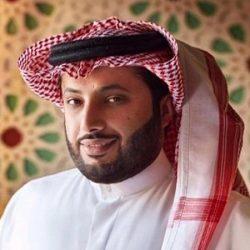 رجل أعمال يهدي سيارة جديدة لمنقذ بيت جيرانه من الحريق في الرياض (فيديو)