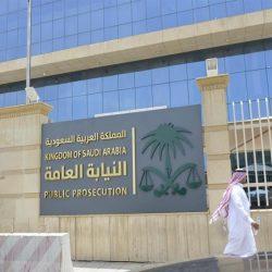 فيديو.. شخصان يعتديان على حارسي أمن بعد منعهما من دخول العناية المركزة في مستشفى بجازان