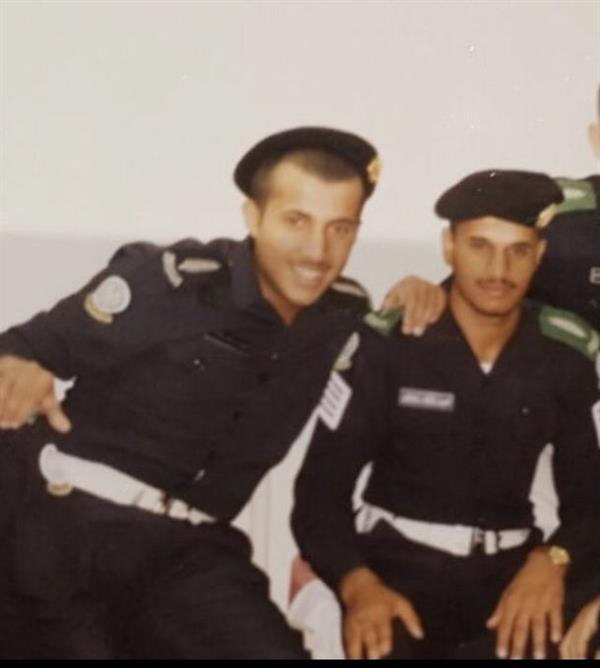 تركي آل الشيخ ينشر 3 صور نادرة له اثنان منها بالزي العسكري