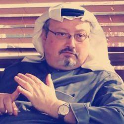 """شبان سعوديون يكشفون حيل بعض """"شريطية"""" معارض السيارات في الشراء والبيع (فيديو)"""