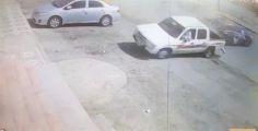 كاميرات المراقبة وثقت الحـادث.. ضبط مفحط صدم مركبة ولاذ بالفرار (فيديو)