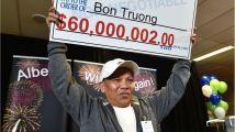 لاجئ فيتنامي يفوز بـ60 مليون دولار كندي.. ويؤجل استلام الجائزة لسبب غريب