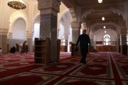 تطورات الوباء.. المغرب تغلق المساجد مؤقتاً مع استمرار رفع الأذان