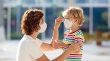 """""""الصحة العالمية"""" تُحدد السن التي يجب فيها على الأطفال ارتداء الكمامات للحماية من """"كورونا"""""""